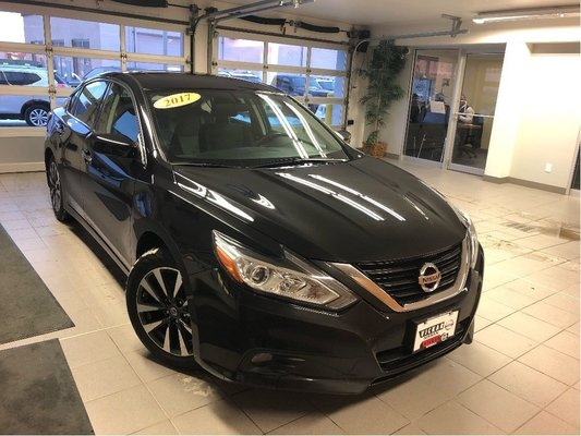 2017 Nissan Altima 2.5 SV *HEATED SEATS* REMOTE START*