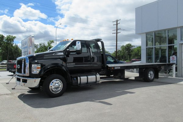 2018 Ford SUPER DUTY F-650 STRAIGHT FRAME Diesel with 21' Fully Functional Tow Deck