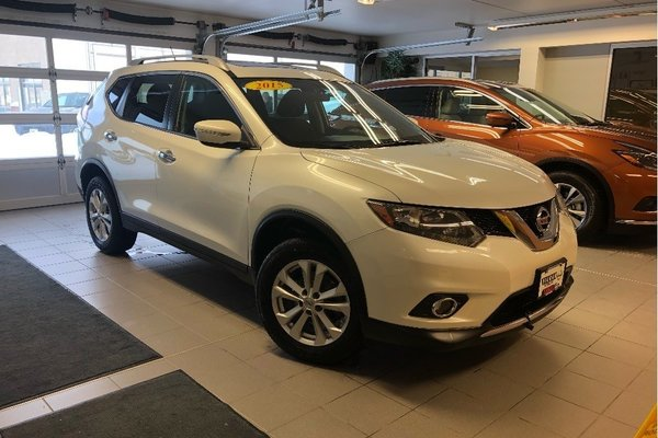 2015 Nissan Rogue SV AWD - LOCAL TRADE / LOW MILEAGE