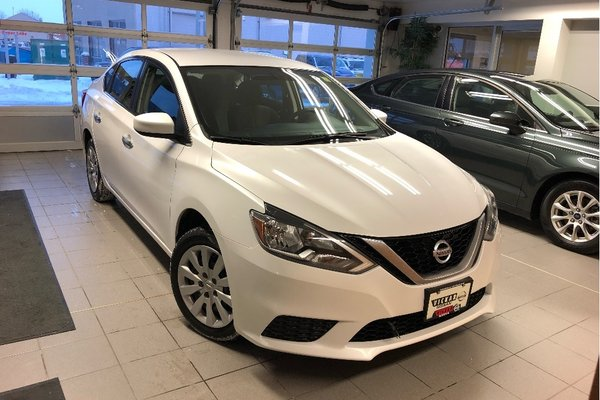 2017 Nissan Sentra 1.8 S *LOCAL TRADE* *LOW KMS*