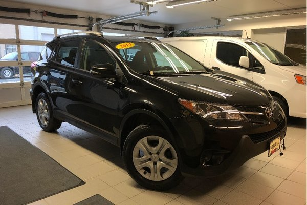 2014 Toyota RAV4 LE + UPGRADE PACKAGE *LOCAL TRADE*
