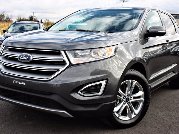 Ford Edge SEL / Toit Ouvrant / Navigation 2016