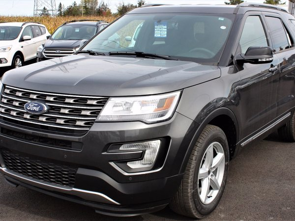 2017 Ford Explorer XLT - 4WD