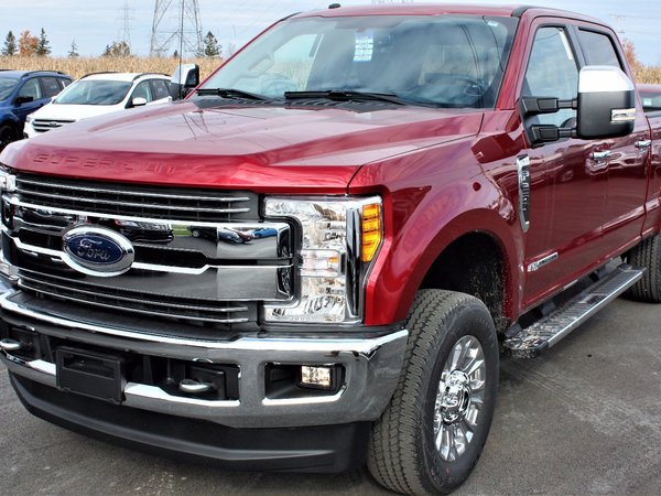 ford   crew cab lariat  wb  rouge rubis teinte cv neuf  vendre