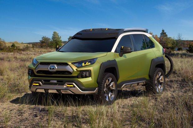 Toyota dévoile le tout nouveau concept FT-AC au Salon de l'auto de Los Angeles