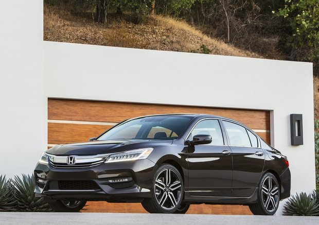 Here's what the media thinks of the 2016 Honda Accord