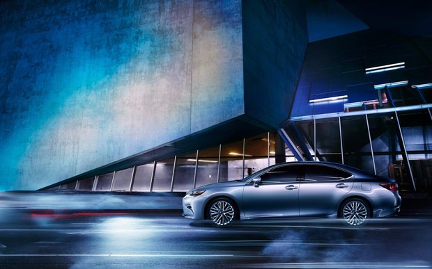 2016 Lexus ES: a Stylish Sedan