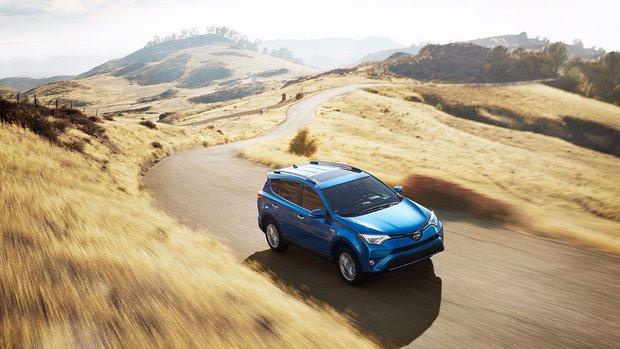 2016 Mazda CX-5 vs 2016 Toyota RAV4: Which Should You Choose?