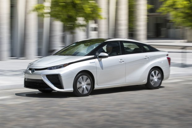 The Toyota Mirai Fuel Cell Electric Vehicle To Go On Sale This Year In Canada Starting in Québec