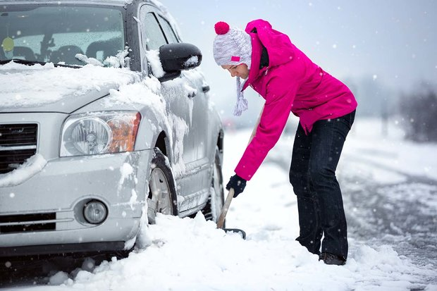 What to Have in Your Car in Winter