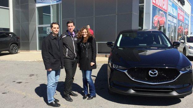 Félicitations à M. Et Mme Hirjaba pour l'achat de votre nouveau Mazda CX5 2017