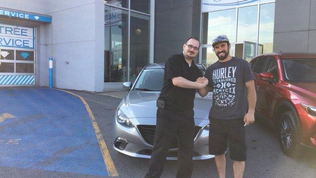 Félicitations à M. Forbeck pour l'achat de son nouveau véhicule Mazda.