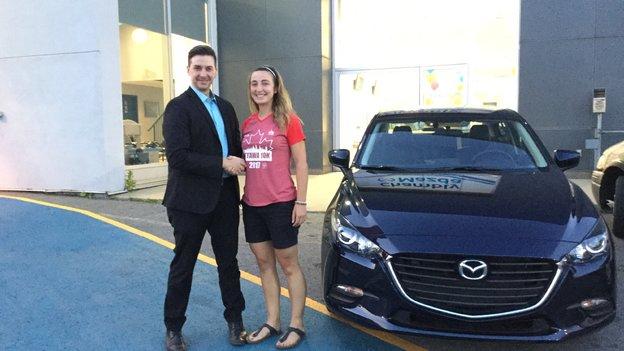 Félicitations Mme Bertrand pour l'achat de votre nouvelle Mazda 3 2017