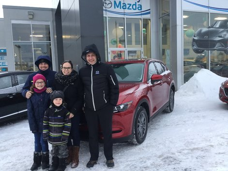 Congratulations to Ms. Godèrent and Mr. Tétrault for your new 2018 Mazda CX-5
