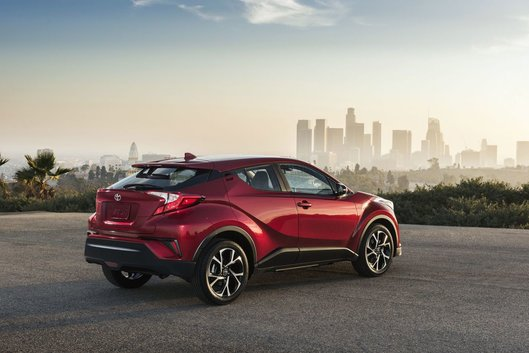 There's a New SUV on the Block: the 2018 Toyota C-HR