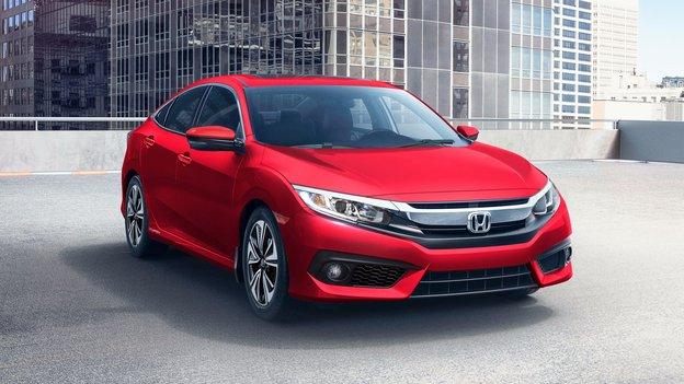 Toyota Corolla 2018 vs Honda Civic 2018 à Magog