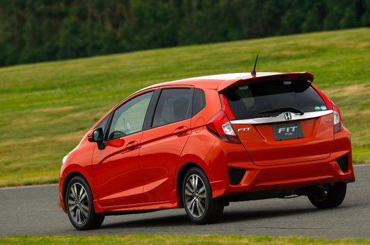 Honda Fit 2015 : Que peut-on y placer? Tout!