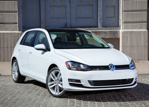 VOLKSFEST IN FOCUS: A LOOK AT THE FEATURES OF THE 2015 VOLKSWAGEN GOLF