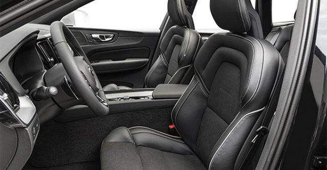 2019 Volvo XC60 R-Design