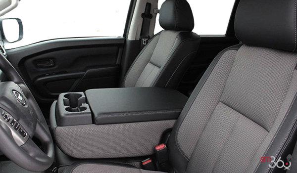2018 NISSAN TRUCKS TITAN XD GAS CREW CAB