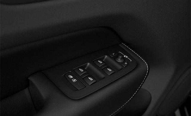 Volvo XC60 R-Design 2019 - 3
