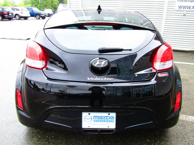 hyundai veloster 2014 d 39 occasion vendre chez mazda de sherbrooke. Black Bedroom Furniture Sets. Home Design Ideas