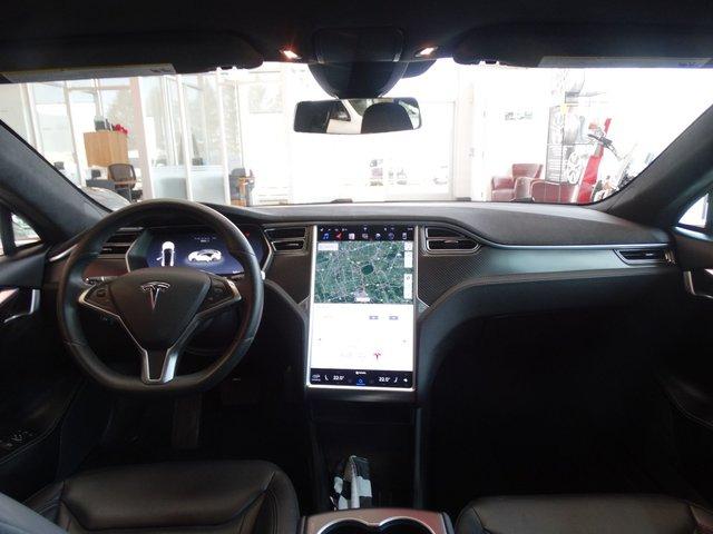 Tesla model s 2016 d 39 occasion vendre chez nissan de granby for Interieur tesla model s