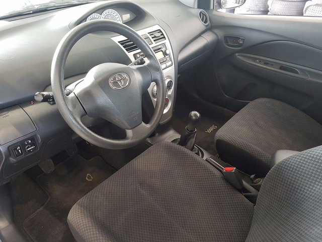 Toyota yaris 2007 d 39 occasion vendre chez nissan de for Interieur yaris 2007