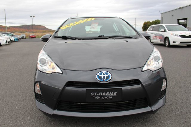 toyota prius c 2014 d 39 occasion vendre chez st basile toyota. Black Bedroom Furniture Sets. Home Design Ideas
