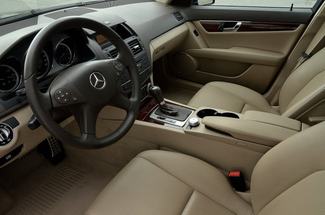 mercedes benz c class 2010 d 39 occasion vendre chez chambly honda. Black Bedroom Furniture Sets. Home Design Ideas