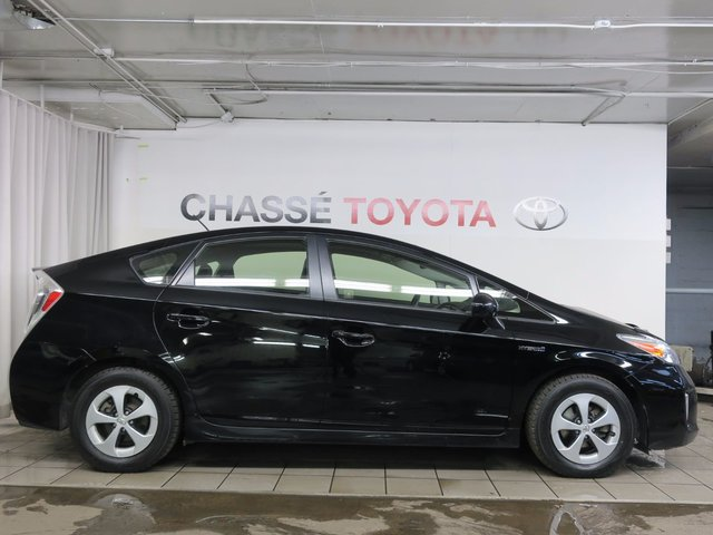 toyota prius 2015 d 39 occasion vendre chez chasse toyota. Black Bedroom Furniture Sets. Home Design Ideas