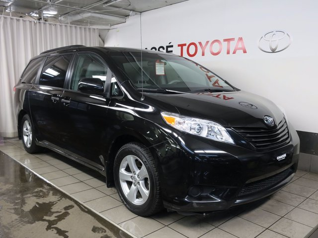 toyota sienna 2014 d 39 occasion vendre chez chasse toyota. Black Bedroom Furniture Sets. Home Design Ideas
