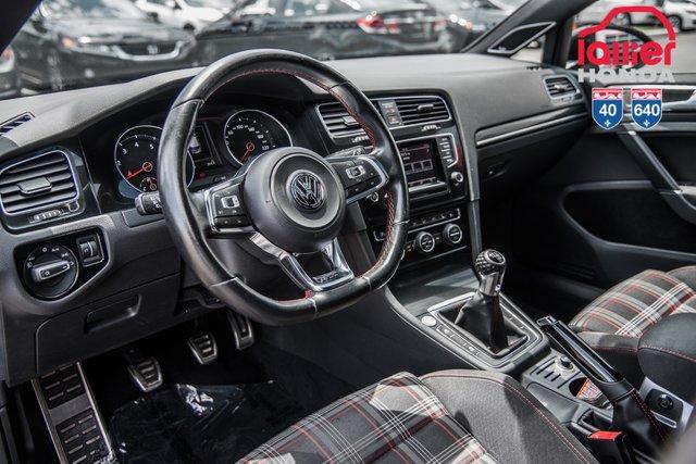 Volkswagen golf gti 2015 d 39 occasion vendre chez lallier for Golf interieur terrebonne