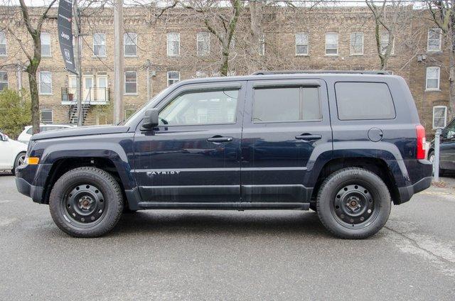 jeep patriot 2011 d 39 occasion vendre chez champlain dodge chrysler ltee. Black Bedroom Furniture Sets. Home Design Ideas