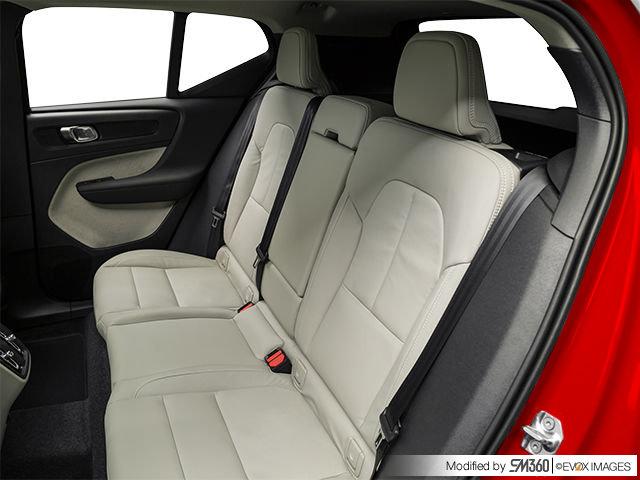 2020 Volvo XC40 Momentum - from $41,865   Van Herpt Motors