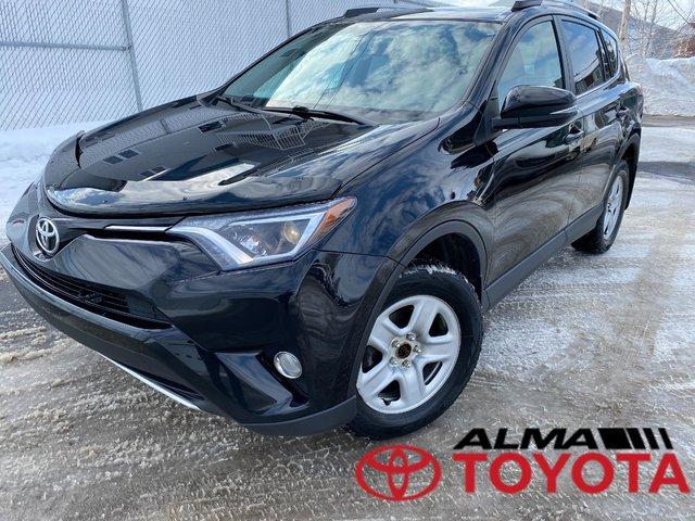 Toyota RAV4 XLE, AWD, PNEU HIVER, TOIT OUVRANT, BANC CHAU 2016