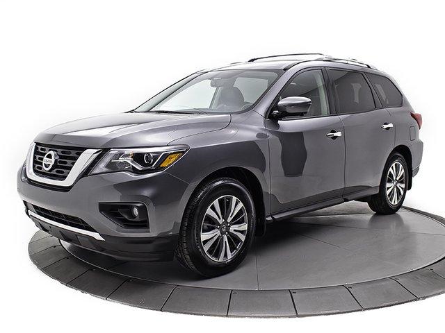 Nissan Pathfinder SL ** TECH ** 2017