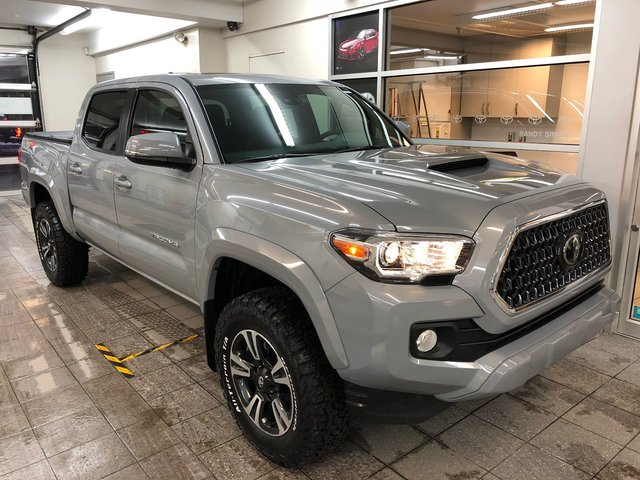 Toyota Tacoma TRD Sport Short Box + beaucoup d'extras 2018