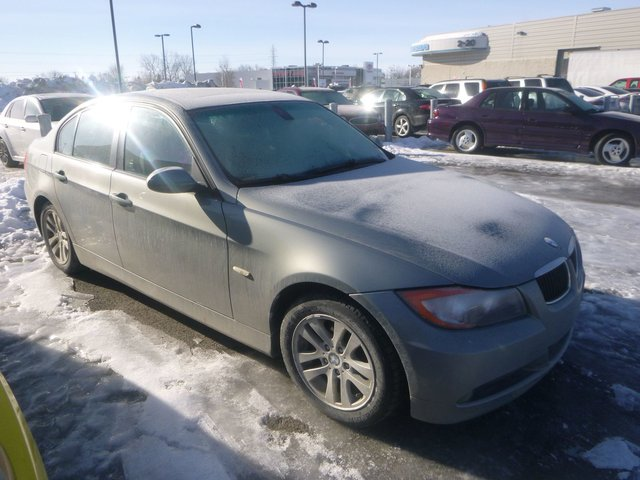 BMW 3 Series 323i CUIR TOIT 6CYL MAGS AUT TOUTE EQUIPE 2008