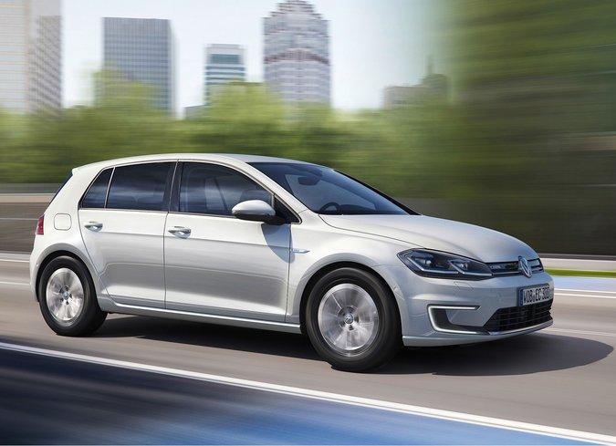 La Volkswagen e-Golf 2017 sera disponible chez VW Lauzon Blainville, dès Juin 2017!