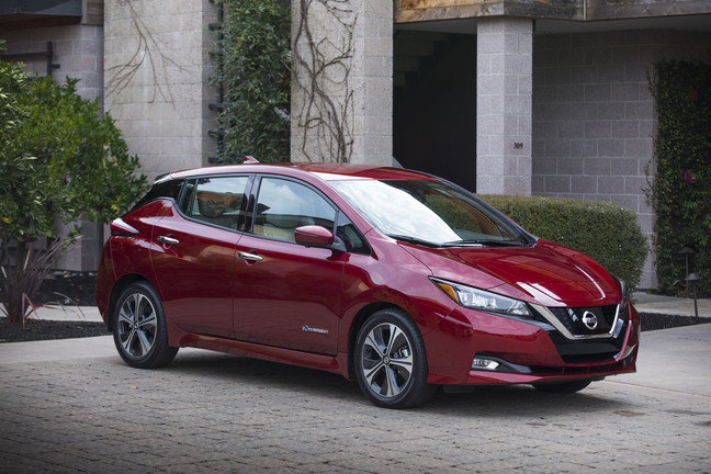 2018 Nissan LEAF first electric car to win Green Car of the Year