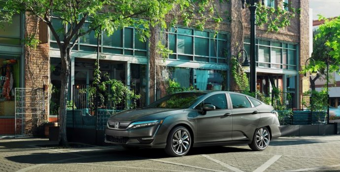 Skip the Pump with the 2018 Honda Clarity in Lachenaie, Quebec