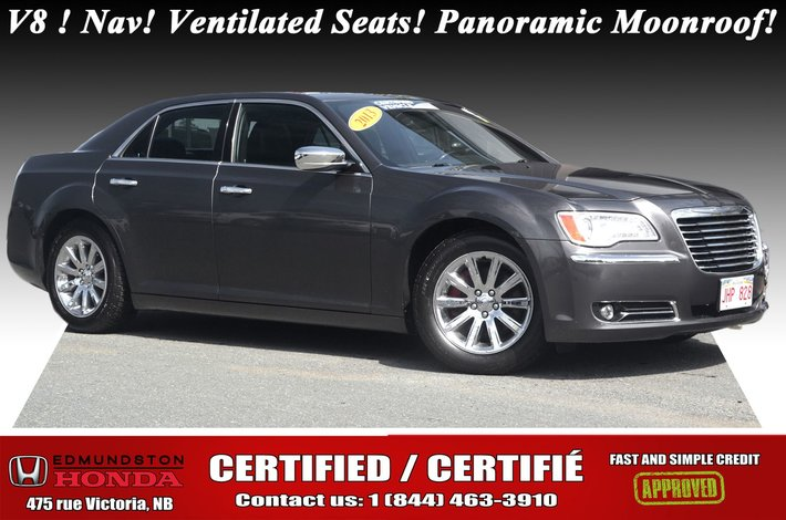 2013 Chrysler 300 300C New Tires & Brakes! V8 - 5.7L! RWD! Nav! Heated and Ventilated Leather Seats! Panoramic Moonroof!