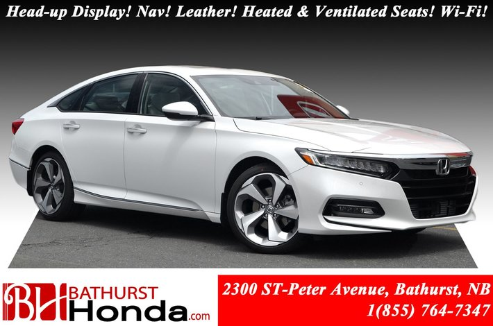 2018 Honda Accord Sedan Touring 2.0 252hp! Head-up Display! Nav! Leather! Heated and Ventilated Seats! Wi-Fi Hotspot Honda Sensing!