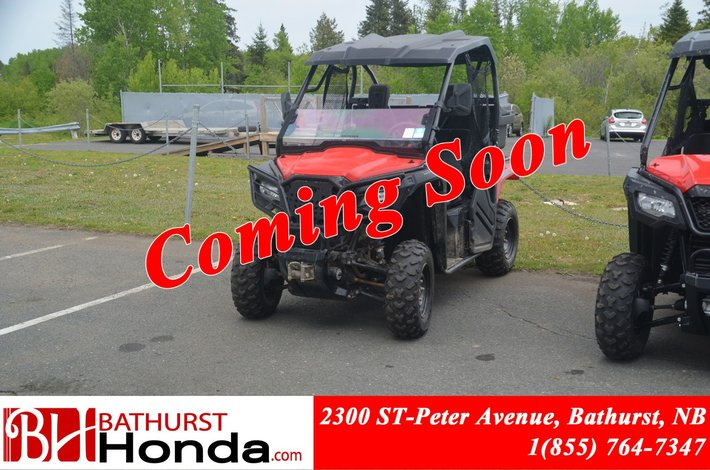 2015 Honda Pioneer 500 2 seats Low Km's! Winch! Hard Top! Fully Automatic!!!