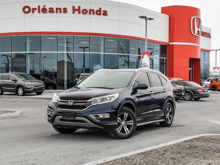 2015 Honda CR V TOURING APPLE CAR PLAY WHICH IS RAREAWD