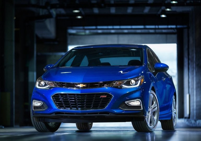 2016 Chevrolet Cruze: Cruisin' Along