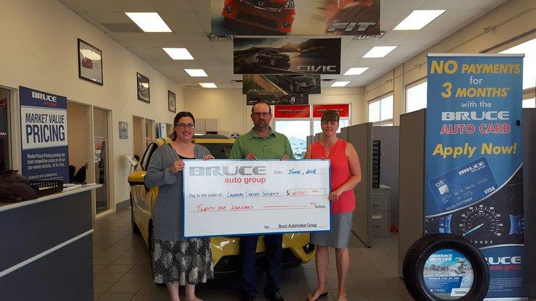 Bruce Honda Donates to Canadian Cancer Society