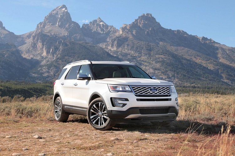 2017 Ford Explorer: Find New Trails