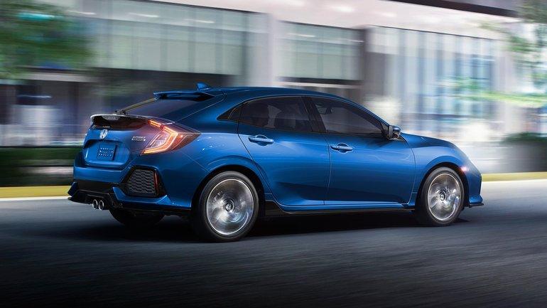 Toyota Corolla Hatchback 2019 vs Honda Civic à hayon 2019 à Victoriaville